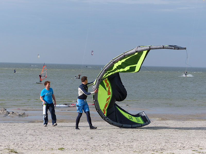 Geen windturbines voor de kust, dat is voor kite- en windsurfers een must: It Soal, Workum.